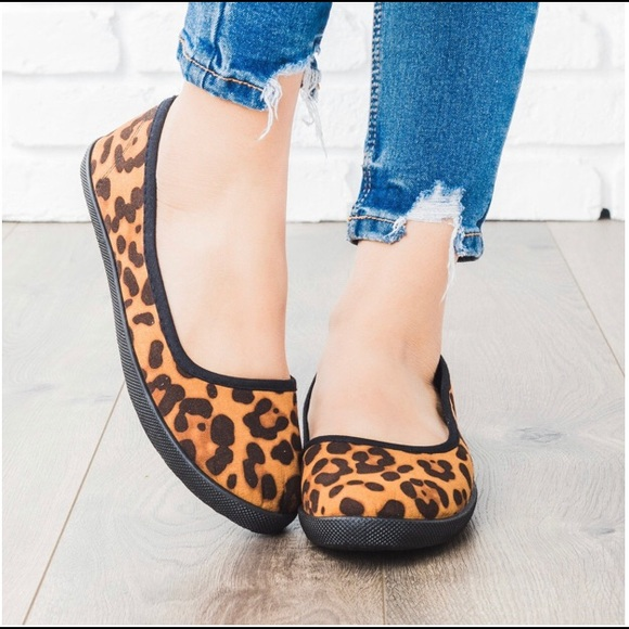 New leopard round toe flat